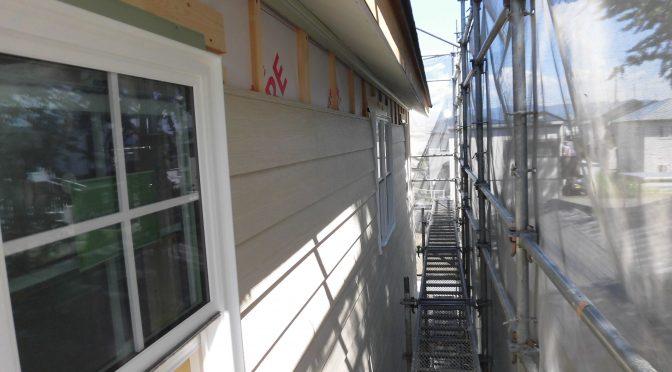 外壁貼り進んでいます