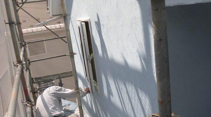 外部塗壁進んでいます