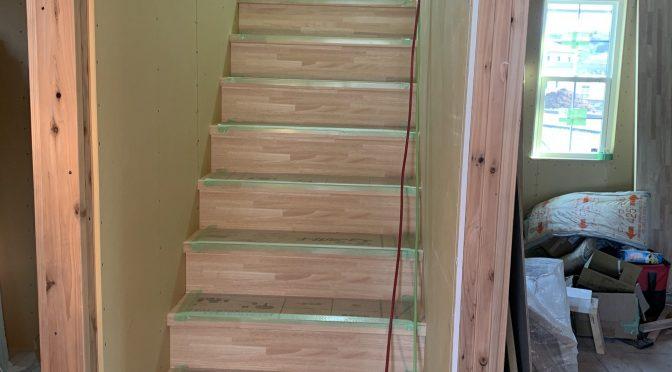 階段取り付けました